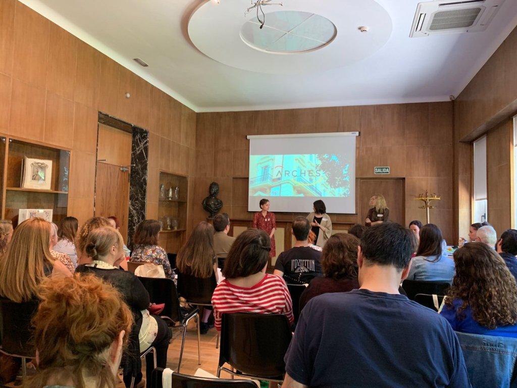 Presentación del taller por parte de las coordinadoras
